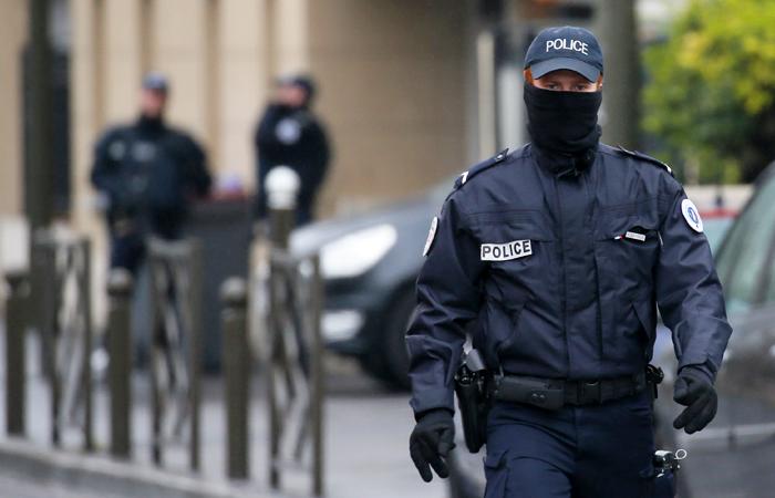 Французская полиция задержала автобус с российскими болельщиками
