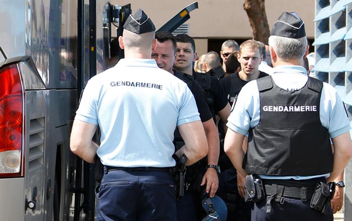 Группа российских болельщиков задержана полицией Франции на сутки
