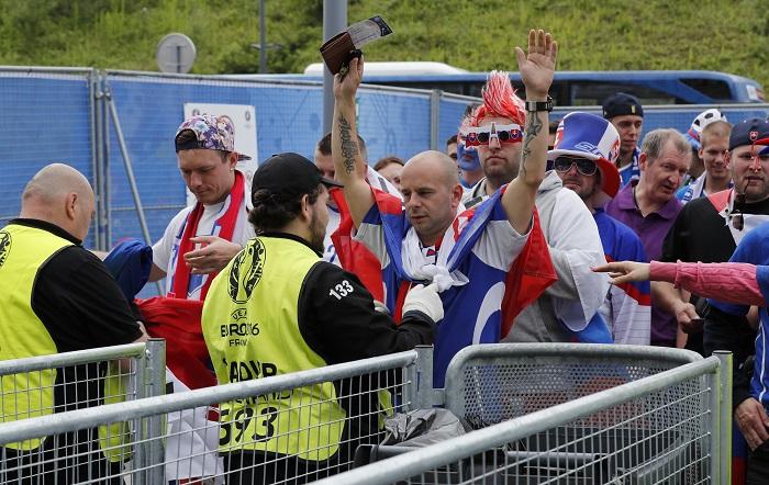Во Франции задержали еще шестерых российских болельщиков