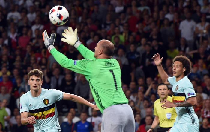 Бельгия разгромила Венгрию в 1/8 финала Евро
