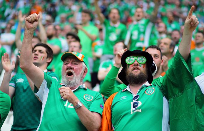 Ирландские болельщики получили в Париже медаль за примерное поведение