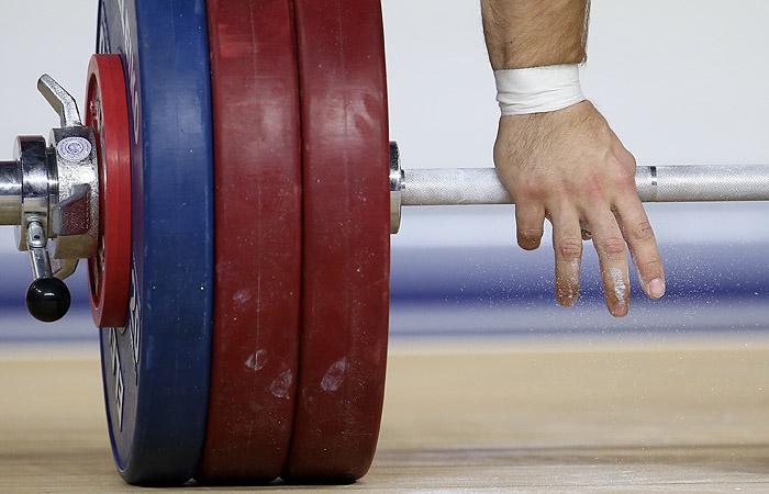 Мутко предупредил о возможных проблемах с МОК у федерации тяжелой атлетики