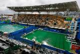 Организаторы ОИ дали новое объяснение зеленого цвета в бассейне для прыжков