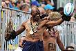 Фанаты Фиджи на игре по регби Фиджи - Япония