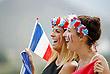 Французские фанатки на конном конкурсе троеборья