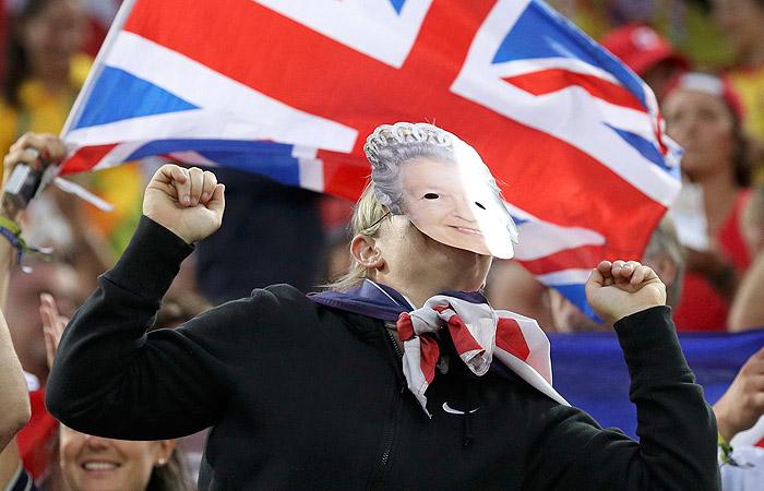 Британская болельщица на женском регби Великобритания - Новая Зеландия