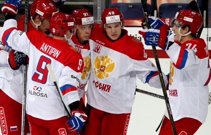Хоккеисты сборной России выиграли Кубок Карьяла