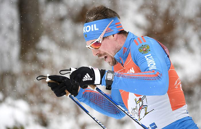"""Лыжник Устюгов выиграл четвертую подряд гонку на """"Тур де Ски"""""""