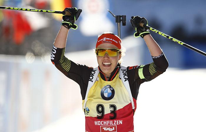 Немка Дальмайер выиграла индивидуальную гонку на ЧМ по биатлону