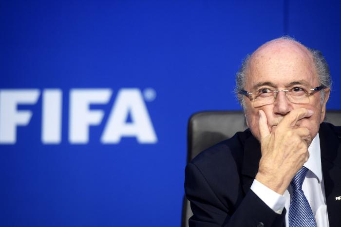 Экс-глава ФИФА Блаттер ответил на вопросы французских следователей