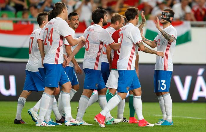 Сборная России по футболу крупно обыграла команду Венгрии в товарищеском матче
