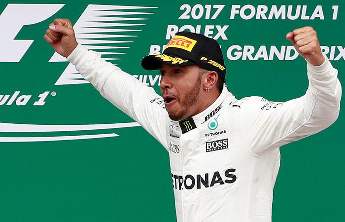 """Хэмилтон выиграл Гран-при Великобритании """"Формулы-1"""""""