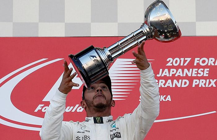 """Хэмилтон выиграл Гран-при Японии """"Формулы-1"""""""