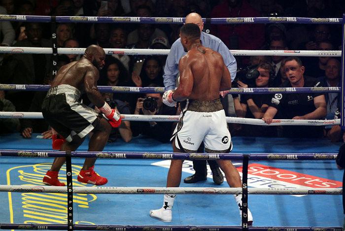 Британский боксер Джошуа защитил титул чемпиона мира
