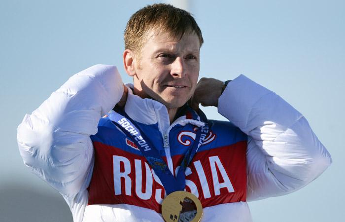 МОК лишил российского бобслеиста Зубкова золотых медалей Сочи-2014