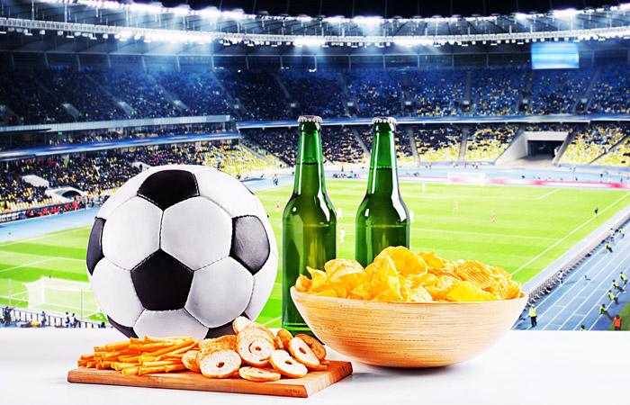 Глава РФПЛ выступил за возвращение пива на стадионы