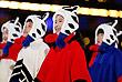 Юные участники церемонии закрытия Олимпиады