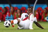 Фарфан впал в кому после травмы на тренировке сборной Перу на ЧМ-2018
