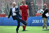 Путин попросил футбольных легенд предсказать победителя ЧМ-2018