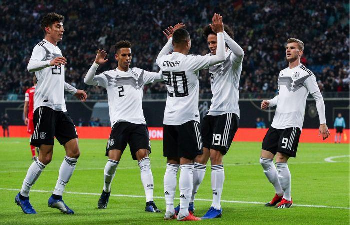 Футболисты сборной России с крупным счетом проиграли Германии