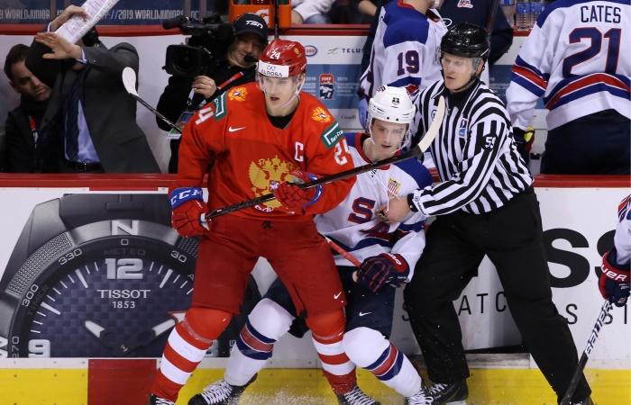 Сборная России по хоккею проиграла США в полуфинале молодежного ЧМ
