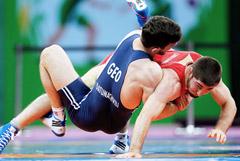 Российского чемпиона мира по греко-римской борьбе отстранили за допинг