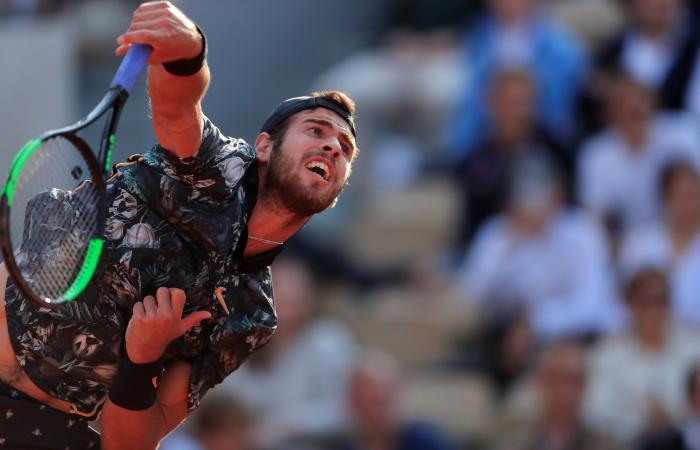 Хачанов впервые вышел в четвертьфинал турнира Большого шлема