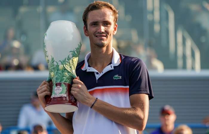Даниил Медведев выиграл теннисный турнир в Цинциннати