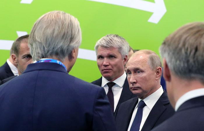 """Путин одобрил идею """"футбольного колхоза"""" с равным распределением денег по клубам"""