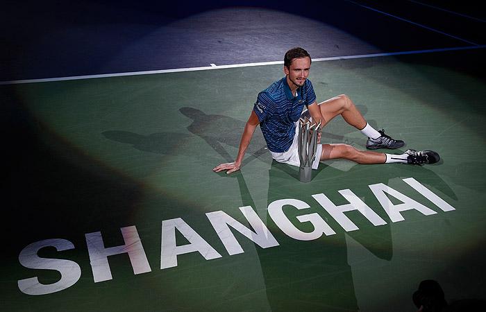 Российский теннисист Медведев стал победителем турнира в Шанхае