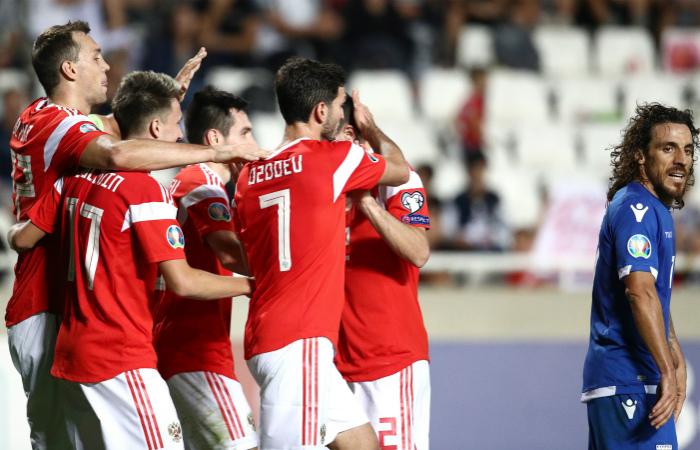 Сборная России по футболу разгромила Кипр и досрочно вышла на Евро-2020