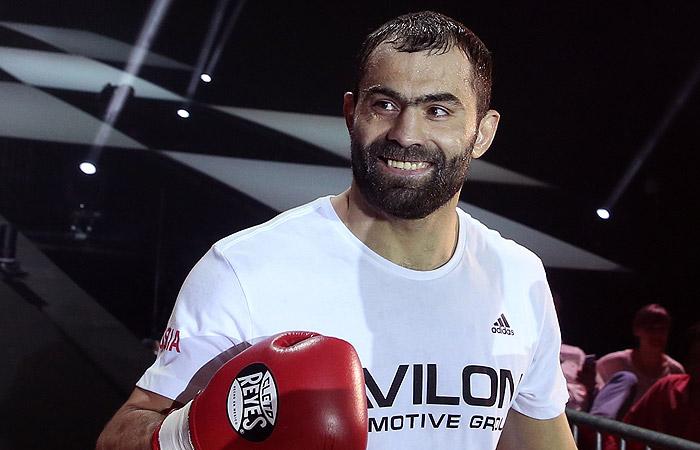Олимпийский чемпион по боксу Чахкиев вызвал Емельяненко на бой