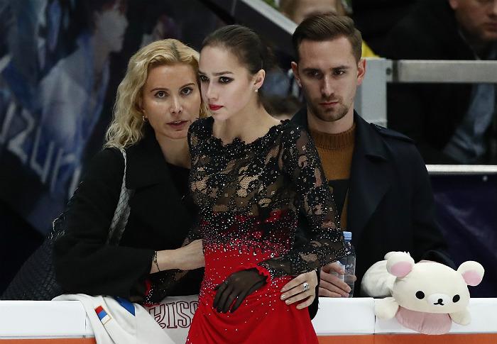 Команда тренера Тутберидзе ответила критикам приостановившей карьеру Загитовой