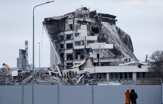 Обрушение крыши спорткомплекса в Санкт-Петербурге