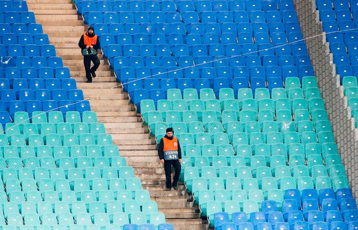 УЕФА перенес матчи еврокубков на неопределенный срок