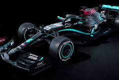 Болиды команды F1 Mercedes окрасили в черный цвет в знак борьбы с расизмом