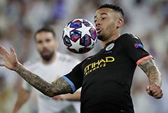 Определились четвертьфинальные пары Лиги чемпионов УЕФА