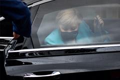 Spiegel узнал о тайном визите Меркель к Навальному