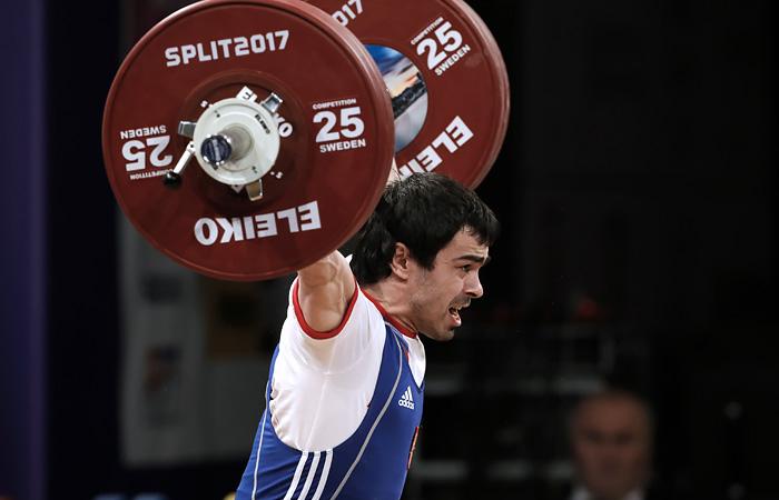 Девять российских штангистов дисквалифицированы за допинг