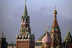 """Путин оценит возможность остаться президентом после 2024 года, """"когда придет время"""""""
