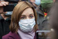Президент Молдавии Санду призвала выйти на акцию протеста