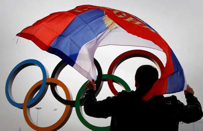 Российских атлетов на два года лишили права выступать под флагом РФ