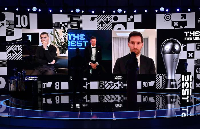 Левандовски признан лучшим футболистом года по версии ФИФА