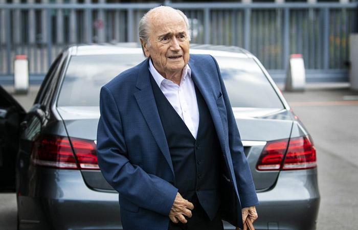 ФИФА подала уголовную жалобу на Блаттера