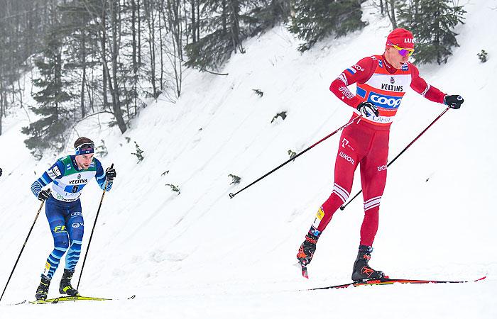 Сборную России лишили бронзы в лыжной эстафете из-за инцидента с Большуновым
