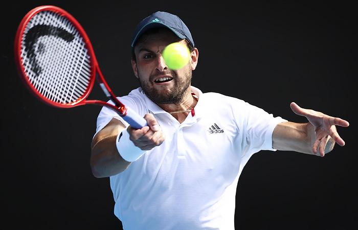 Сенсационно дошедший до полуфинала Australian Open Карацев проиграл Джоковичу