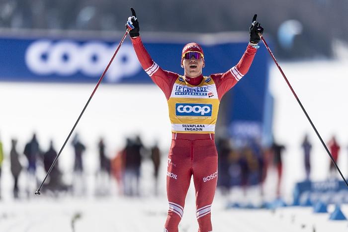 Большунов победил в масс-старте на Кубке мира в Швейцарии