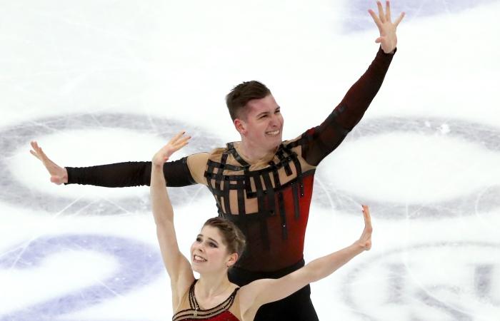 Российские пары завоевали золото и бронзу на ЧМ по фигурному катанию