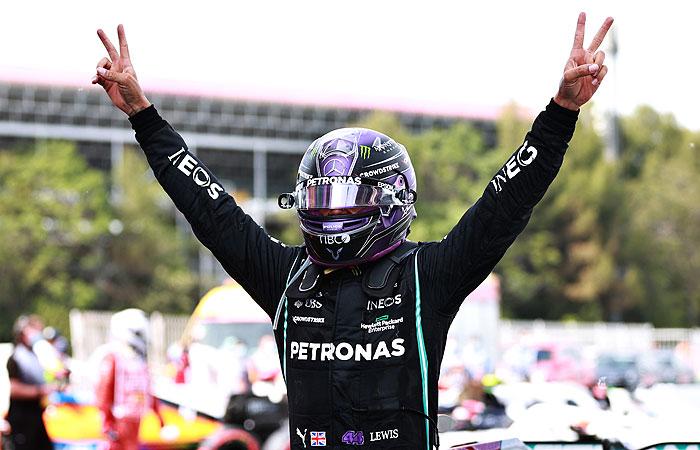 """Хэмилтон выиграл Гран-при Испании """"Формулы-1"""""""
