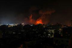 Армия Израиля возобновила удары по целям в секторе Газа
